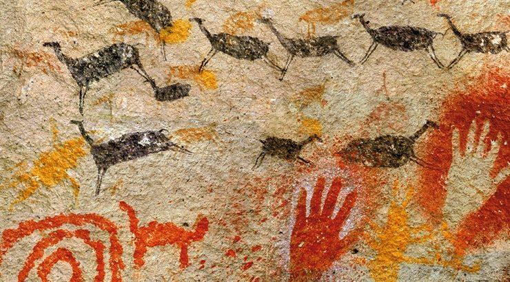 Dibujos mapuches en una piedra