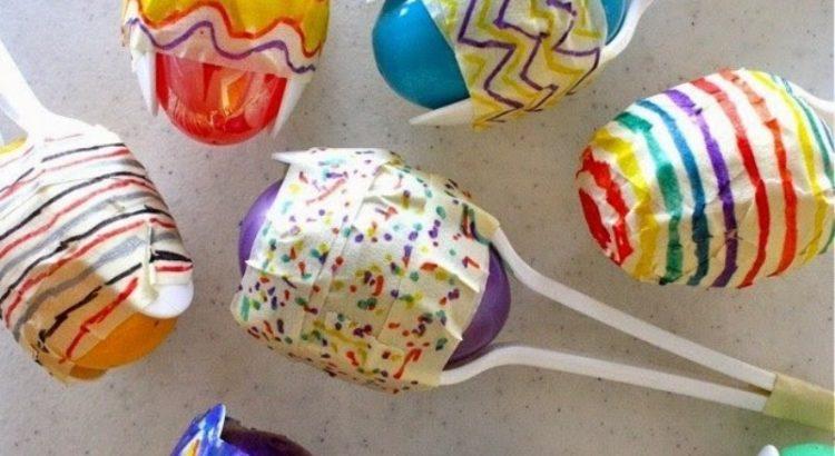 maracas hechas con cucharitas y recipientes